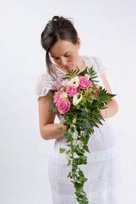Linique Hochzeitskleid für werdende Mütter Kleid Brautmode, 44, mit Bolero